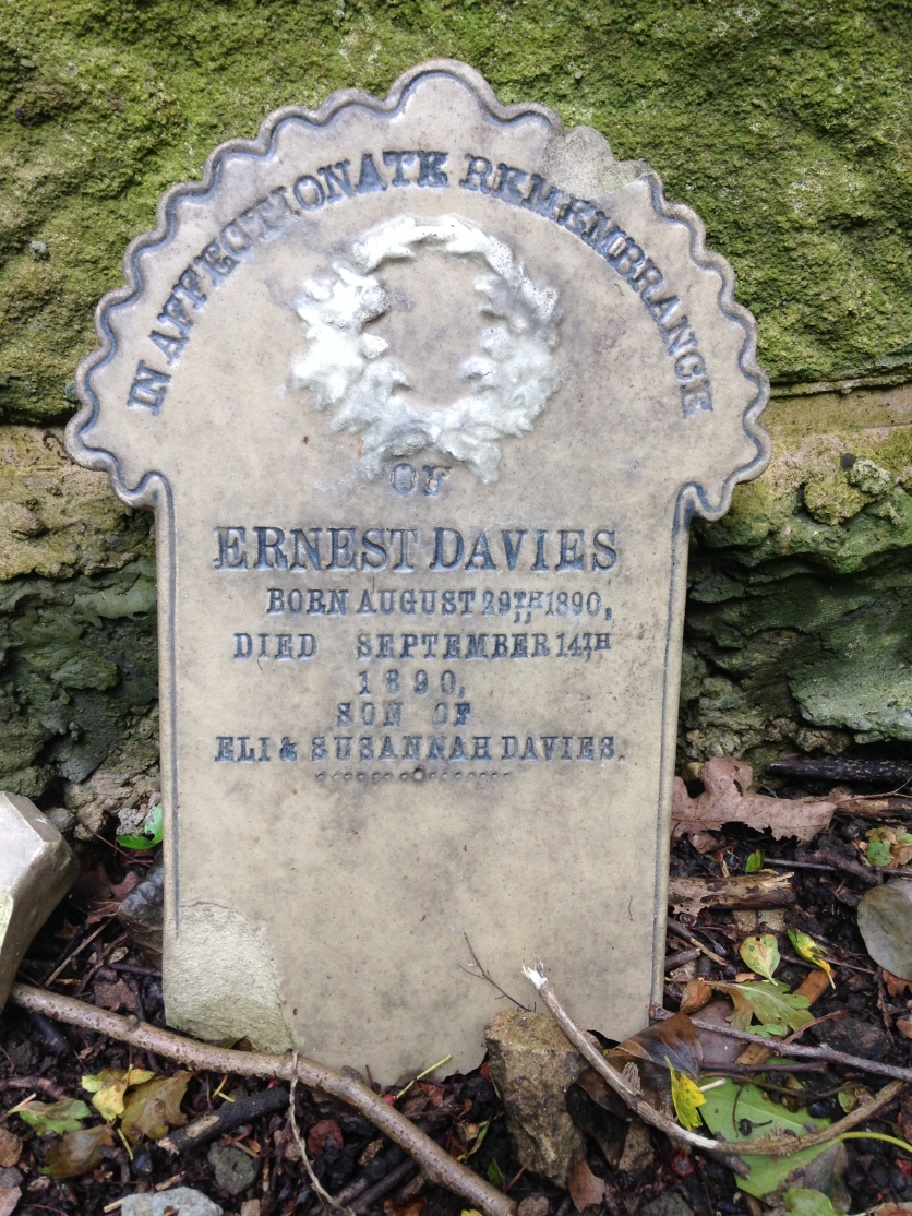 Headstone of Ernest Davis, the infant son of Eli and Susannah, in St. Martin's Churchyard, Alfreton, 2016.